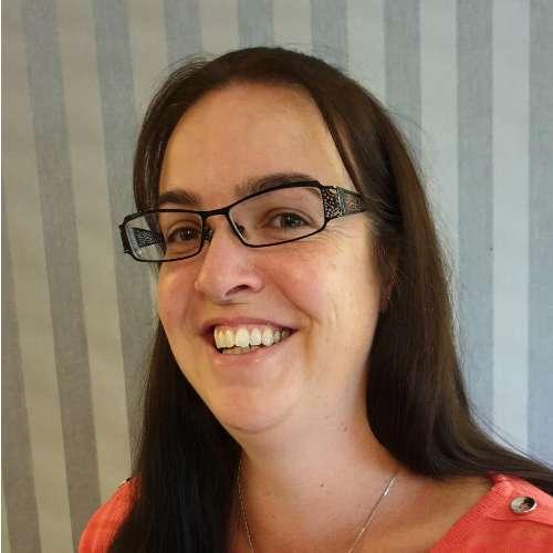 Portrait of Dr Emma Barrowcliffe